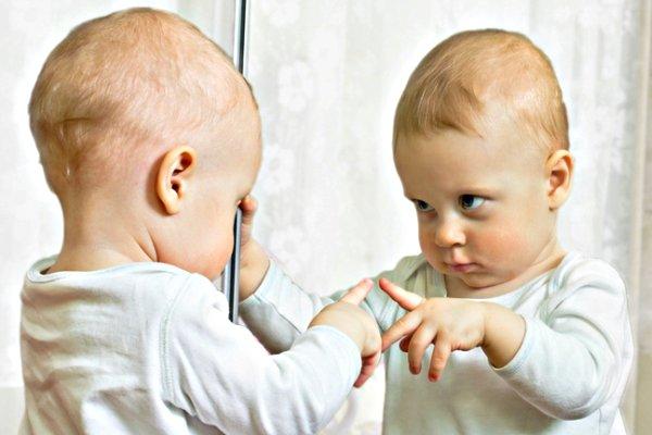 baby_mirror